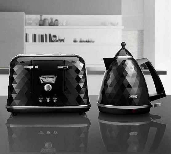 delonghi toaster ctj4003bk wasserkocher set kbj3001bk. Black Bedroom Furniture Sets. Home Design Ideas